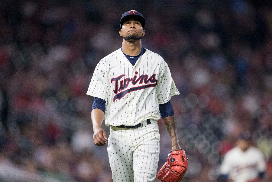 Twins' Santana Out 10-12 Weeks After Finger Surgery