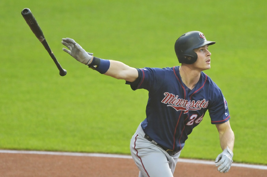 Kepler's 3 homers help Twins edge Indians, avoid sweep