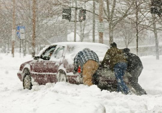 Attached Image: car-stuck-in-snow.jpg