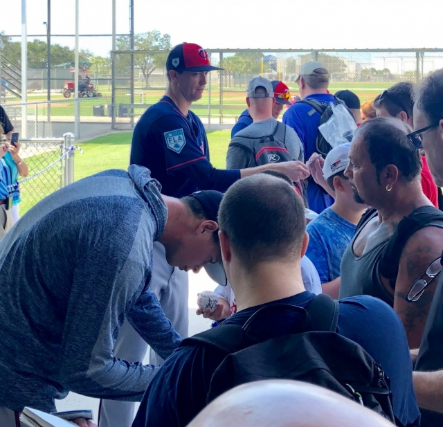 Attached Image: Pitchers signing autographs.png