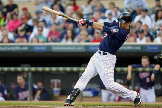 Attached Image: Mauer_Joe_Swinging_US_720.jpg
