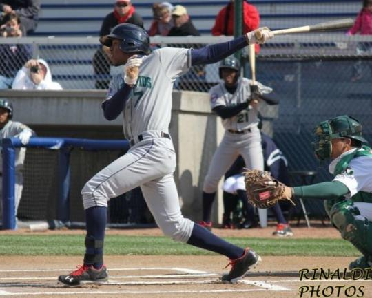 Attached Image: Buxton_Byron_Batting_Rinaldi_686.jpg
