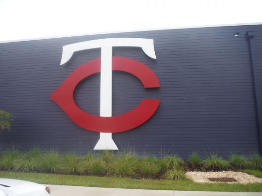 Large Twins Sign